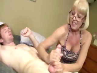 giving old is giving a libido massage