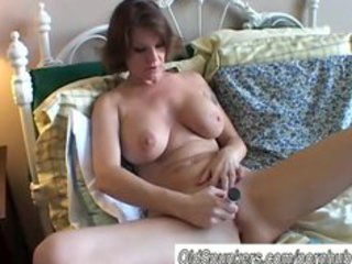 giant bossom lady shaves her hot cave