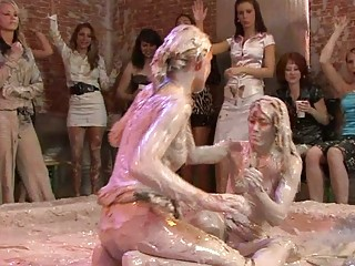 fine looking mature babe sluts into lesbo mud