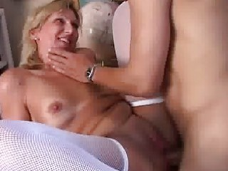 cougar in nylons giving head and obtains