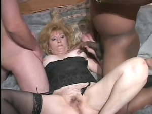 granny inside hawt trio