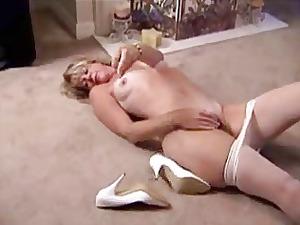 cougar into stockings masturbation