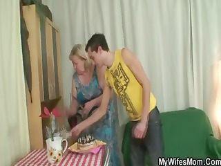 son in law obtains chubby lady and bangs her and
