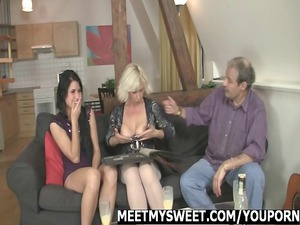 babe gets screwed by her bfs family