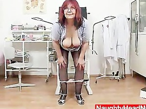 red-haired big titties older spreads her haired