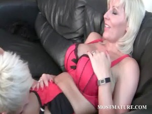 lesbo grown-up loves to eat jucy whore