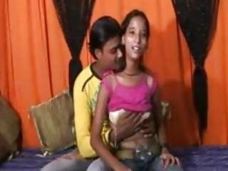 an 18 time mumbai beautiful girl doing porn with