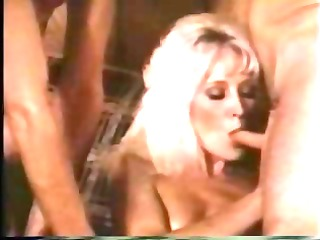 blond retro mature babe taken by 2 penises