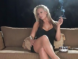 bleached lady smoking