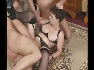 grownup woman into nylons tries triple libidos
