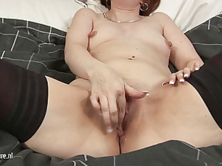 all natural grownup mom masturbating on her bunk