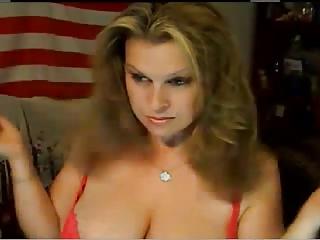 curvy lady into brief
