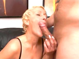 albino cougar having vagina fisted difficult