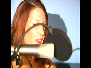 red-haired janine lateen devices her kitty and